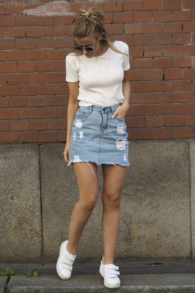 outfit casual con falda de jean