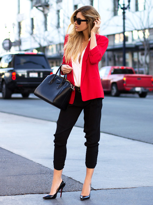 outfit con blazer para la oficina
