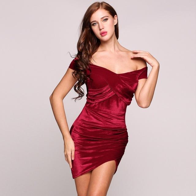 vestido rojo aterciopelado