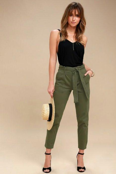 outfits pantalon verde