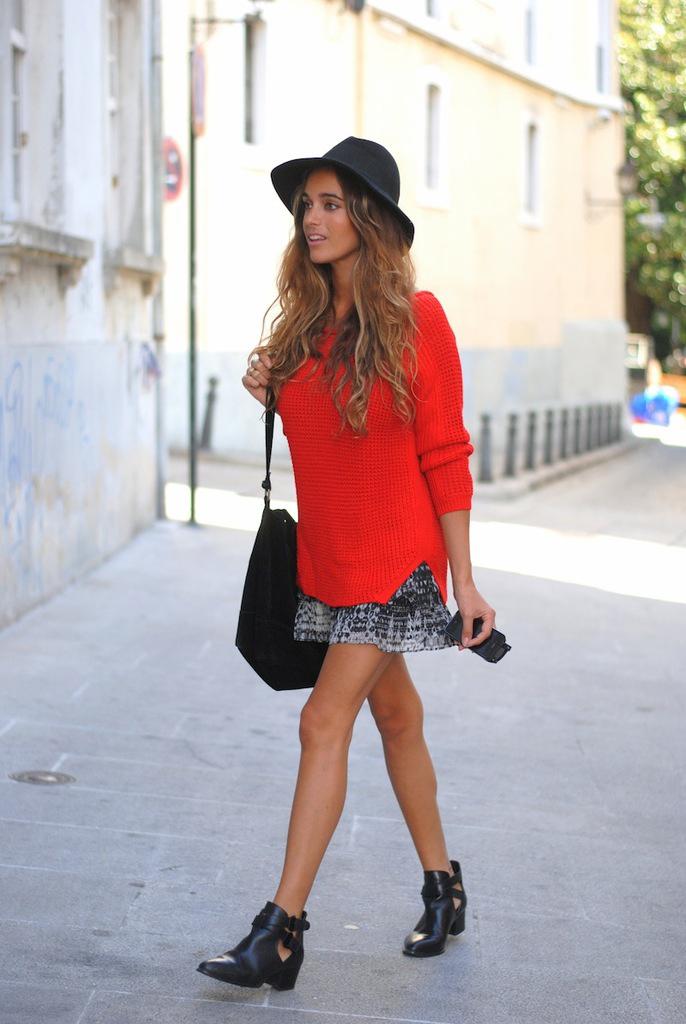 jersey rojo con falda