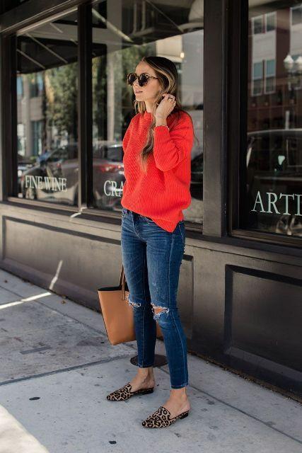 jersey rojo con zapatillas