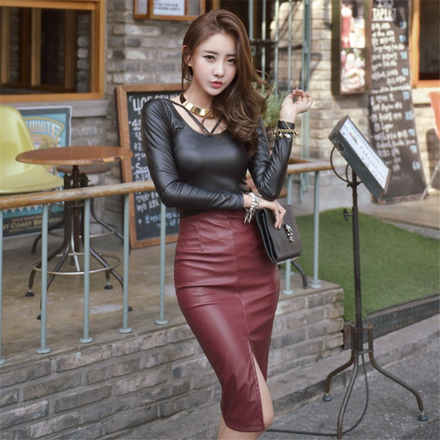outfit cuero con falda tubo