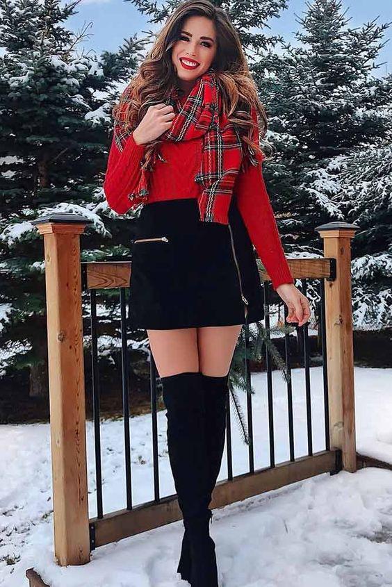 outfit jersey rojo con falda