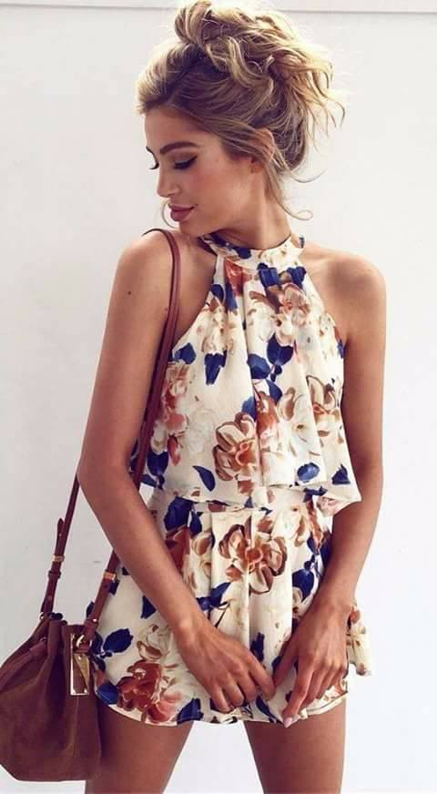 outfit con estampado de flores
