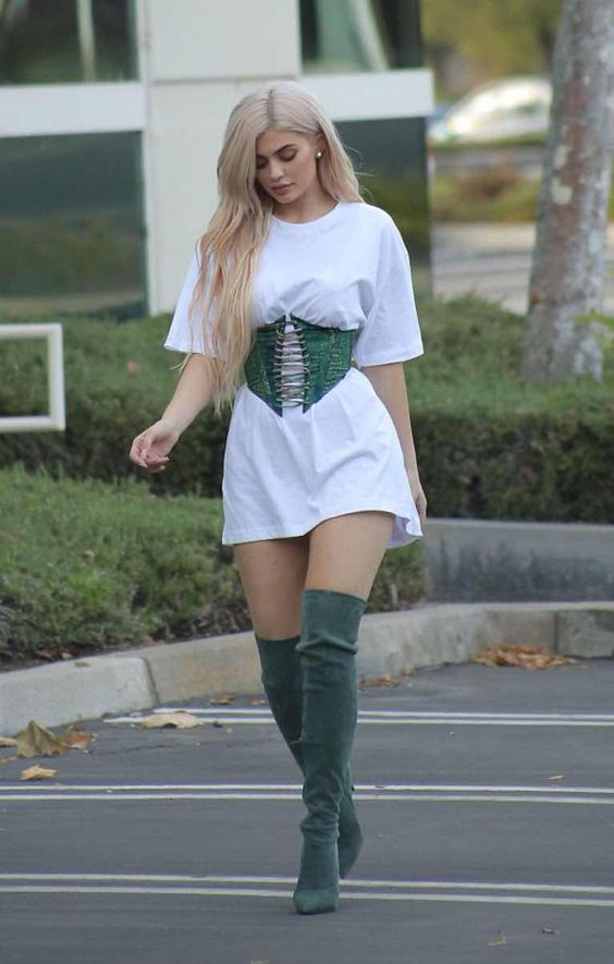 outfit de botas altas verdes