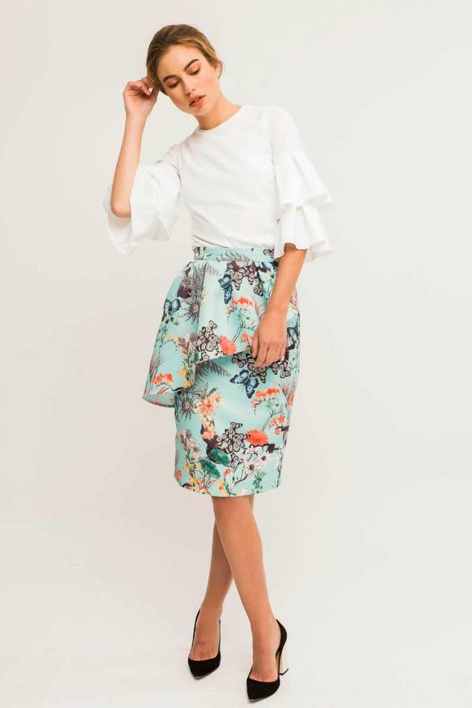 outfit de comunion con falda estampada