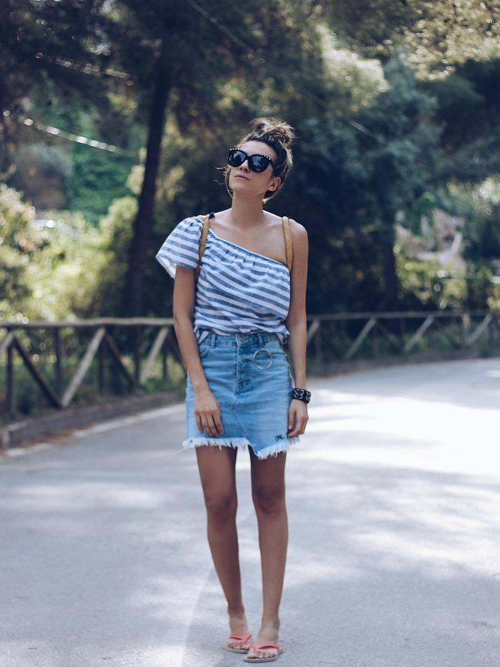 outfit de falda y lentes