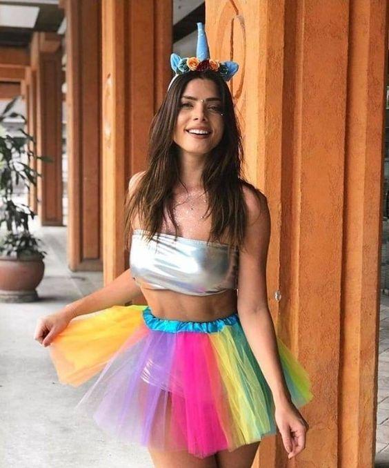 outfit de festival divertido y colorido