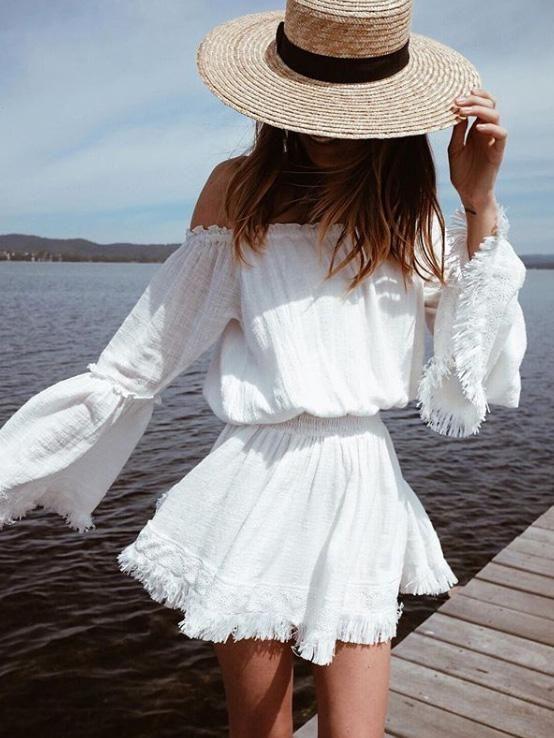 outfit de playa con vestido y sombrero