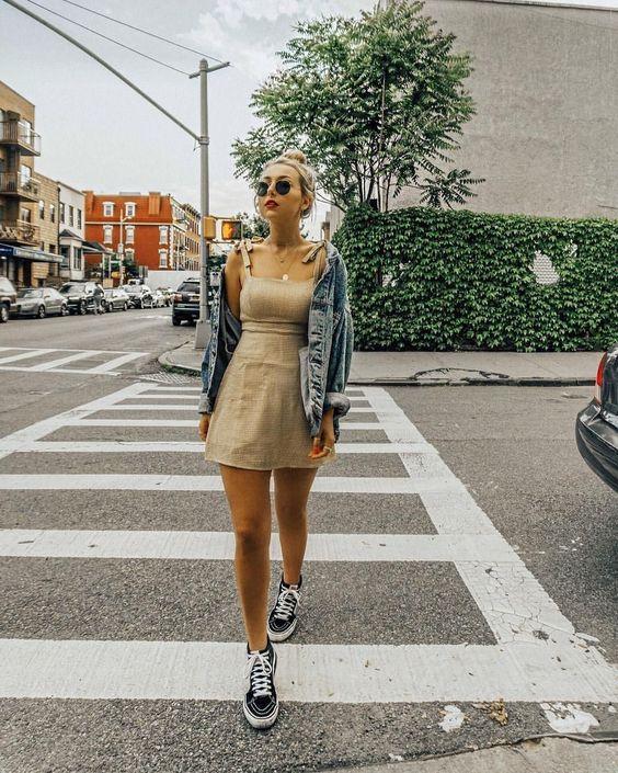 outfit de vestido con vans