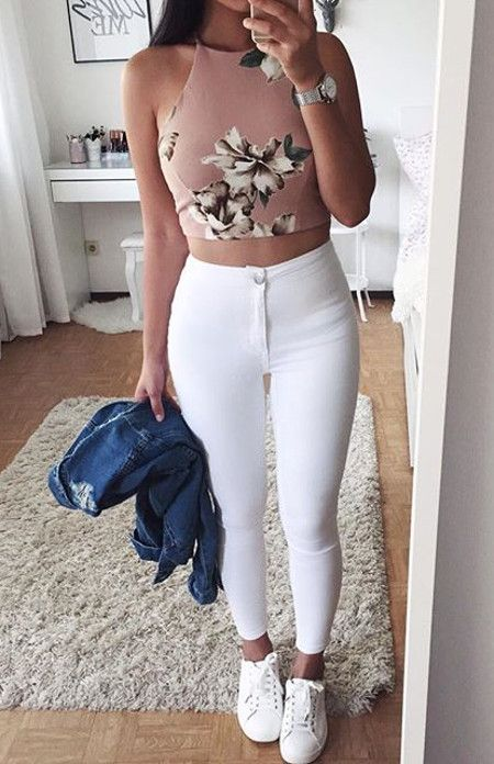 outfit jeans blancos croptop