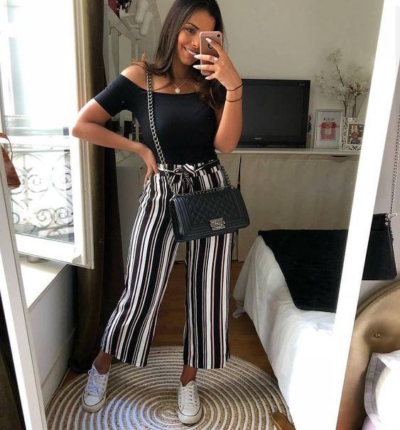 outfit con pantalon de rayas