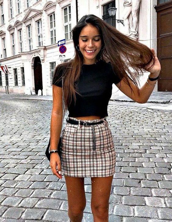 outfit de falda de cuadros