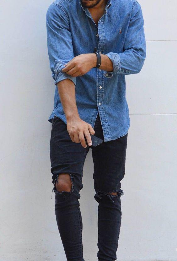 outfit de hombre con camisa vaquera