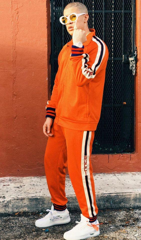 outfit de trap de hombre en naranja